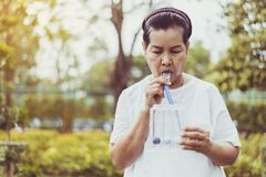 Free Elderly Asian Mother Using Incentive Spirometer Or Three Balls For Stimulate Lung At Nature Royalty Free Stock Photos - 162788238