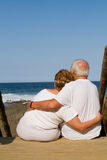 Elderly couple embracing Royalty Free Stock Photography