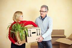 Elderly couple moving Royalty Free Stock Photography