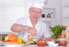 Elderly man chef Royalty Free Stock Photos