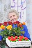 elderly roses woman στοκ φωτογραφία με δικαίωμα ελεύθερης χρήσης