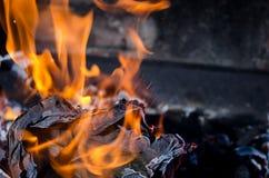 Eldsvådabrand från flamman Royaltyfri Foto
