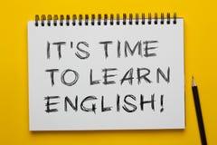 Ele tempo do ` s aprender o inglês imagens de stock