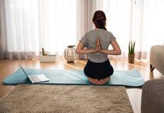 Ele tempo do ` s para alguma ioga Foto de Stock Royalty Free
