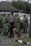 ELECCIÓN DE LA ALARMA DE SEGURIDAD DE LA POLICÍA EN SUKOHARJO imagen de archivo