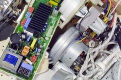 Electrónica quebrada en vaciado de basura Imagen de archivo libre de regalías