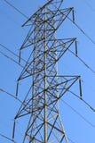 Electric Power allinea la torre della trasmissione Fotografie Stock