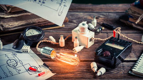 Electrical experience in the classroom. On old wooden table Stock Photography