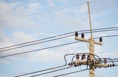 electrical Polonais et lignes électriques photographie stock libre de droits
