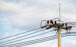 electrical Polonais et lignes électriques photographie stock