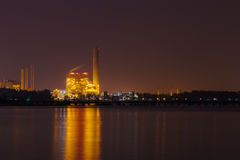 Electrical power plant near sea coat at night, Rayong, Thailand Stock Photography
