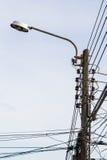 Electricidad del poste de la lámpara Fotos de archivo libres de regalías