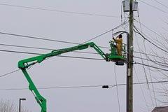 Electricista en auge Foto de archivo libre de regalías