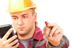 Electricista en el trabajo Imagenes de archivo