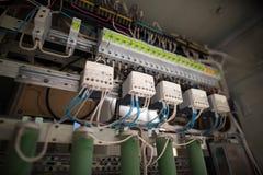 electrics Foto dos fusíveis e dos contatores fotos de stock