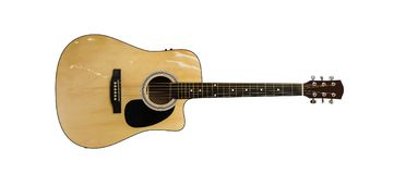 Electro akustisk gitarr som isoleras på vit bakgrund Royaltyfria Foton