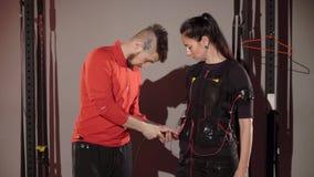 Electro equipo de deportes del estímulo del ccsme almacen de metraje de vídeo