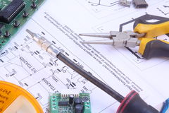 Electronic circuit and tools Royalty Free Stock Photography