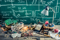 Electronics components in school lab Stock Photography