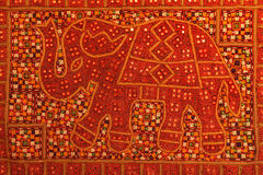 Elefant auf rotem Teppich Lizenzfreie Stockbilder
