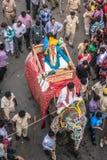 Elefant auf Straße von Indien Lizenzfreie Stockfotografie
