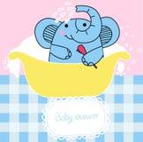 Elefant, der ein Bad hat Stockfotografie