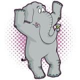 Elefant, der oben mit einem Martini steht Stockfotografie