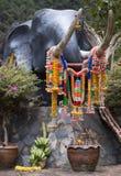 Elefante dalla roccia immagine stock