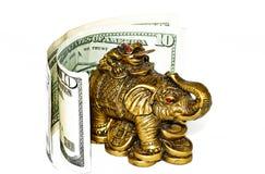 Elefante de bronze com conta Foto de Stock Royalty Free