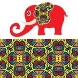 Elefante de la historieta con el ornamento étnico, modelo inconsútil Imagen de archivo