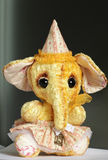 Elefante de la posición del peluche Fotos de archivo libres de regalías
