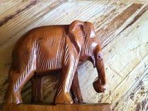 Elefante de madera Imágenes de archivo libres de regalías