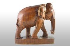 Elefante de madera tailandés imagenes de archivo