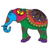 Elefante di scarabocchio del tatuaggio di Mehndi colorato nello stile indiano Immagine Stock