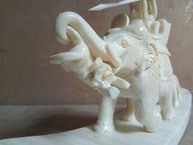 Elefante e tigre do osso da caça Imagem de Stock Royalty Free