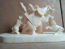 Elefante e tigre do osso da caça Imagens de Stock Royalty Free