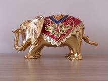Elefante folheado a ouro Imagens de Stock Royalty Free