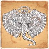 Elefante indiano d'annata con gli ornamenti tribali Saluto della mandala Immagini Stock
