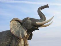 Elefante plástico gigante imagens de stock
