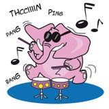 Elefante rosado que juega los tambores Fotografía de archivo libre de regalías