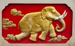 Elefante-sollievo della parete immagini stock
