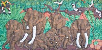Elefante sulla parete del tempiale Fotografie Stock Libere da Diritti