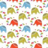 Elefantes bonitos no teste padrão do amor Foto de Stock Royalty Free