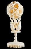 Elefantes do marfim que guardam esferas Imagens de Stock Royalty Free