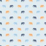 Elefantes inconsútiles del modelo del elefante grande lindo, azules claros y amarillos ilustración del vector