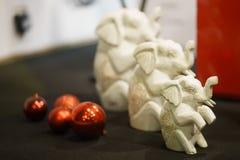 Elefanti decorativi del giocattolo nel natale Clouse su Fotografia Stock Libera da Diritti
