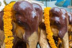 Elefanti di legno al santuario di Erawan Fotografia Stock