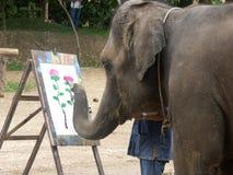 Elefantmålning i Thailand royaltyfria foton