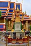 Elefants перед виском изумрудного Будды, грандиозного дворца, Бангкока Стоковые Изображения