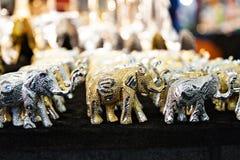 Elefantsouvenirmarknad i Indien Arkivbilder